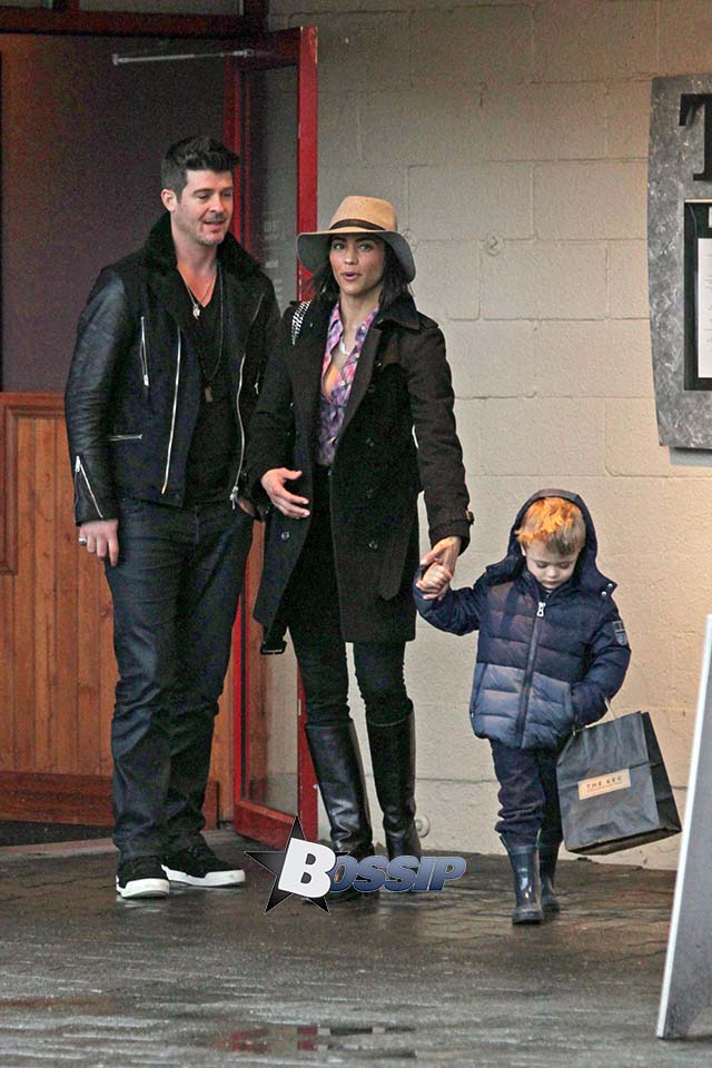 ONE Paula Patton and Robin Thicke Reunited After Split With Son Julian In Vancouver